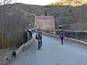 Puente sobre el río Camarena