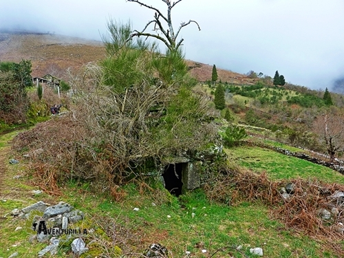 Cabaña de piedra en seco