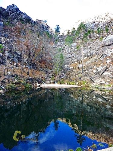Laguna en la sierra de Geres