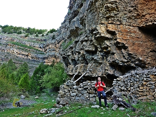 Corral dentro del Barranco de la Hoz