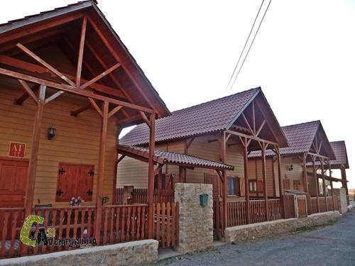 cabañas de madera en Orihuela del Tremedal