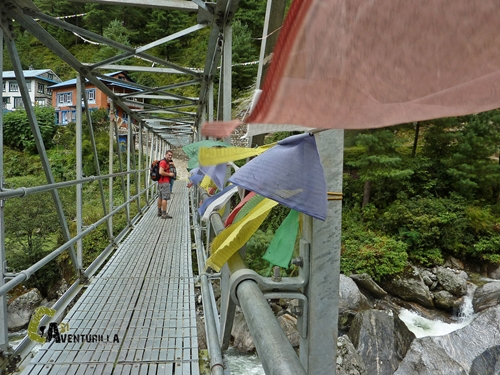 Puente en Nepal