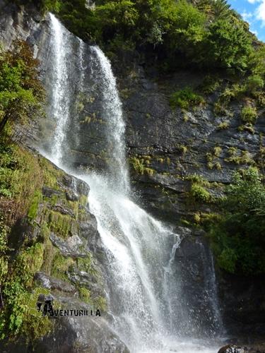 Cascada en el valle del Kumbu