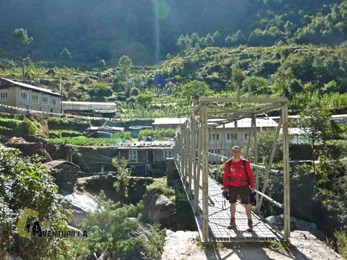 Puente en el trekking Nepal