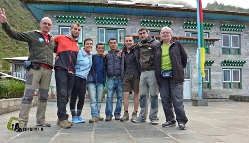 Grupo de amigos en Nepal