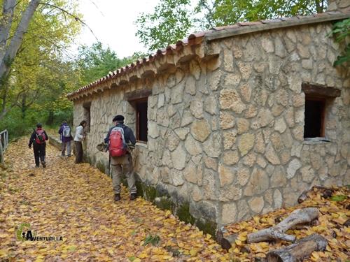 Refugio abierto en el río Bohilgues