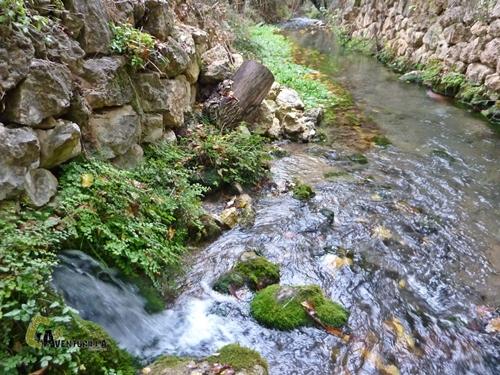 Fuente en el río Bohílgues