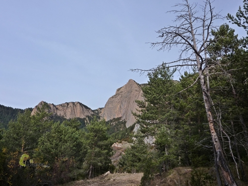 el Roc del Ferrús y el collado de l'Estret