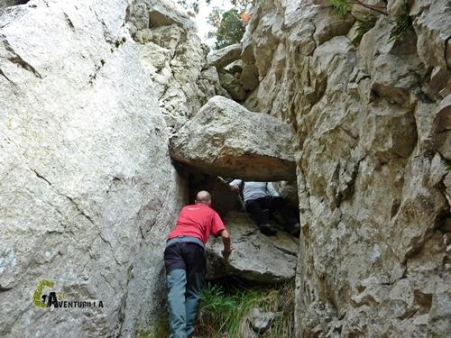 Cueva en las rocas