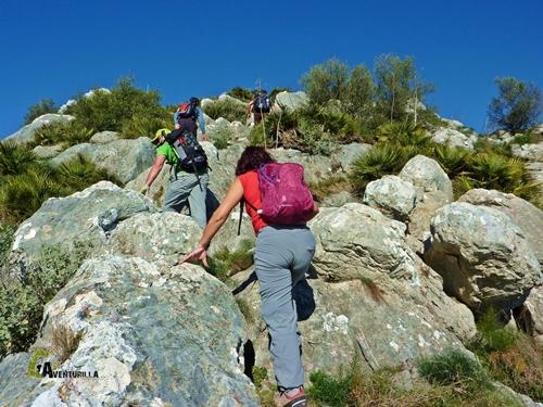 subiendo por rocas