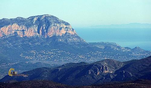 El Montgó y la isla de Ibiza