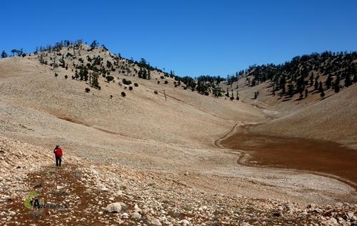 subiendo montaña en Medio Atlas