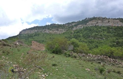 La masia Rebollar en la sierra de Gudar
