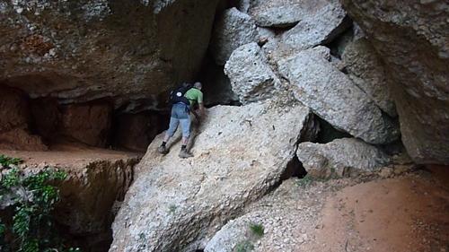 Paso con clavijas en el Montsant