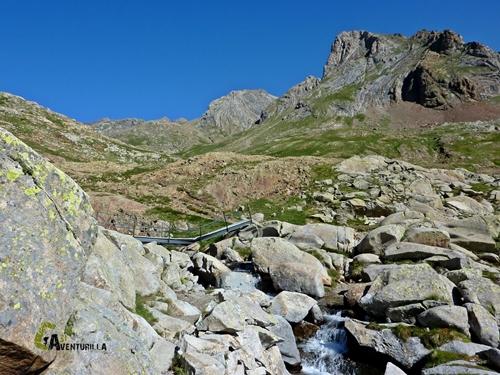 Puente en Pirineos