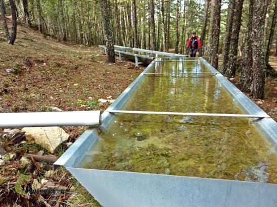 Fuente y abrevadero en el transcurso del barranco de las Umbrías