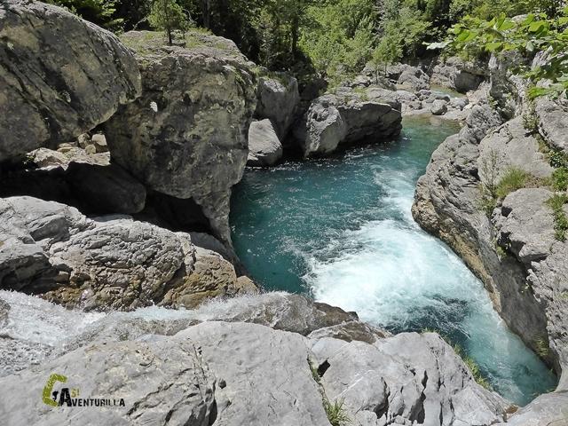 Cascada en el Cañón de Añisclo