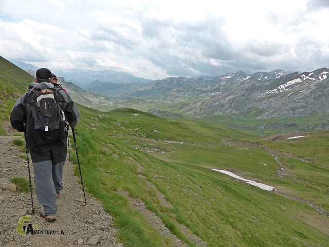 sendero en el Tour del Midi d'Ossau