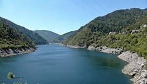 Embalse en el río Navia