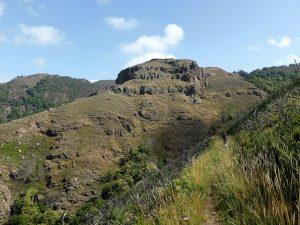 sendero en el valle río Agüeira