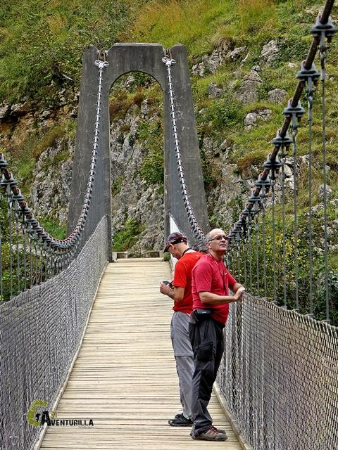 Dentro del puente de Holtzarte