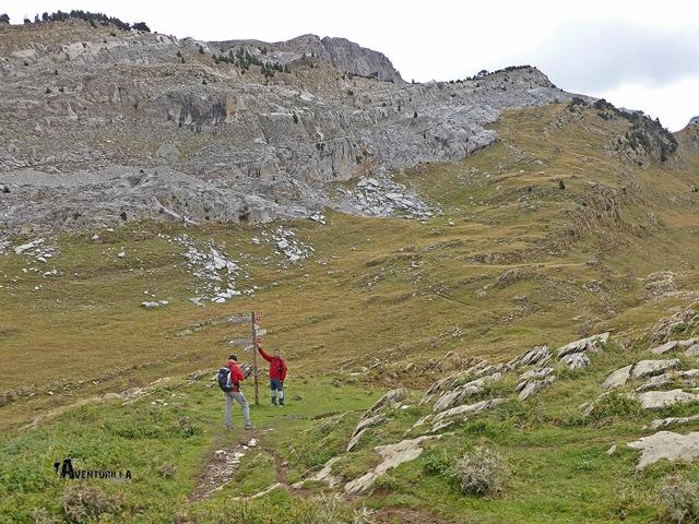 Cruce de caminos en la Hoya de la Solana