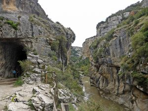 Vista desde un túnel de la Foz de Lumbier