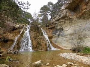 cascada en Gudar