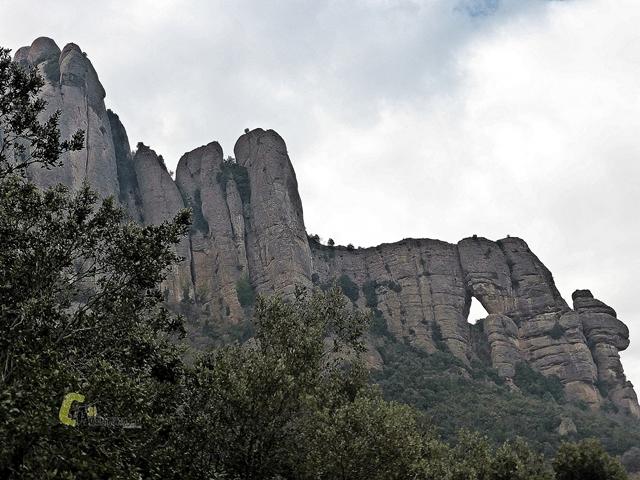 formaciones rocosas en Montserrat