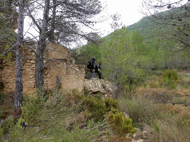 ruinas en Teresa de Cofrentes
