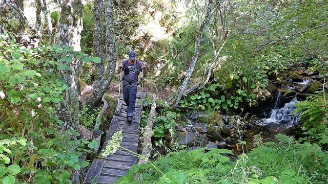puente en el arroyo de Cuvachín