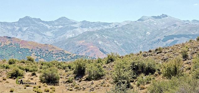 Las vistas hacia la parte alta de Sierra Nevada son constantes
