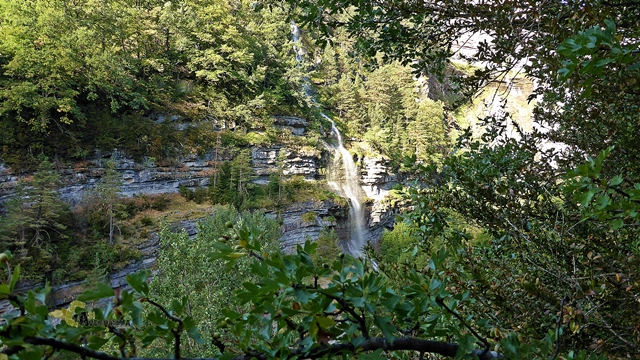 Cerca de la cascada del Sorrosal