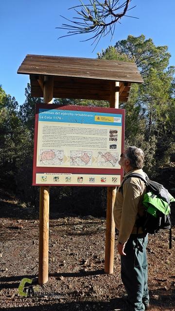 Panel de información sobre las trincheras