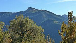 Vistas de las montañas en el valle de Roncal