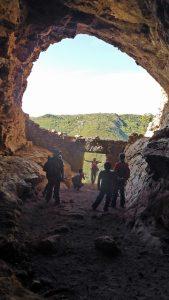Cueva en la sierra de Chiva