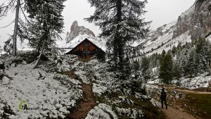 Refugio de Croda de Lago
