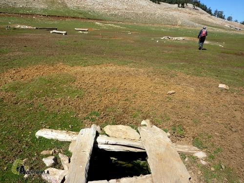 Pozo de agua en el Medio Atlas