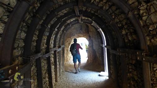 Túnel en el congost de Mont-Rebei