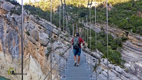 Puente colgante en Montfalcó