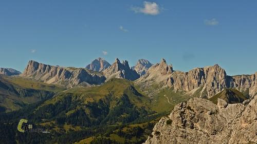 conjunto montañoso en Dolomitas