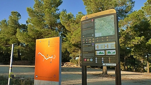 Panel de información de senderismo