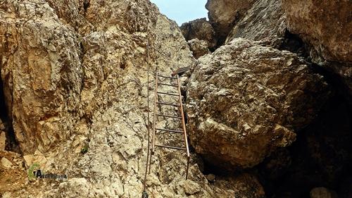 Escalera en tramo equipado