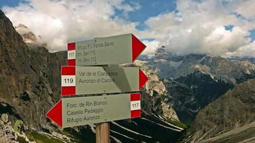 Cruce de sendas en Dolomitas