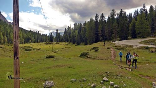 Cerca del lago Antorno