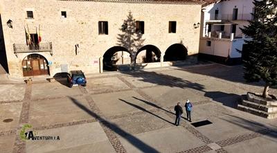 Plaza pueblo El Castellar