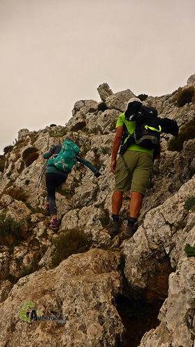 Subiendo por roca