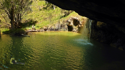 poza de agua de una cascada