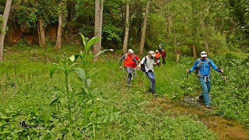 Cruzando el río Rubielos