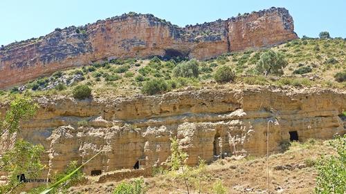 cuevas en el río Martín
